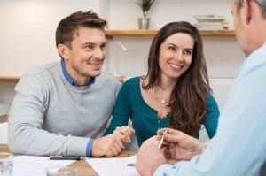 Ehepaar lässt sich beraten