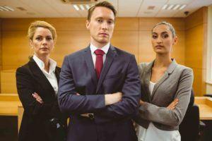 Anwälte stehen kampfbereit