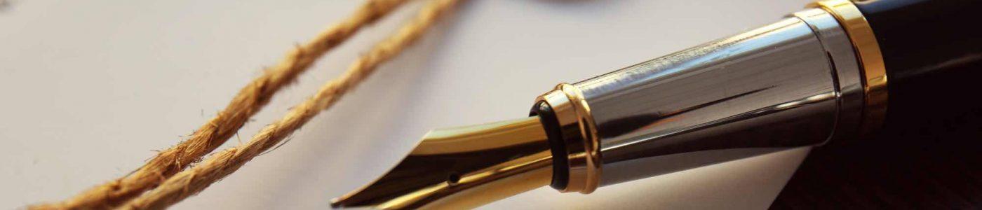 Stift liegt auf Testament